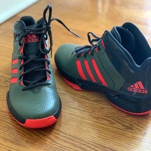 Adidas Cross 'Em 3 Basketball Shoe